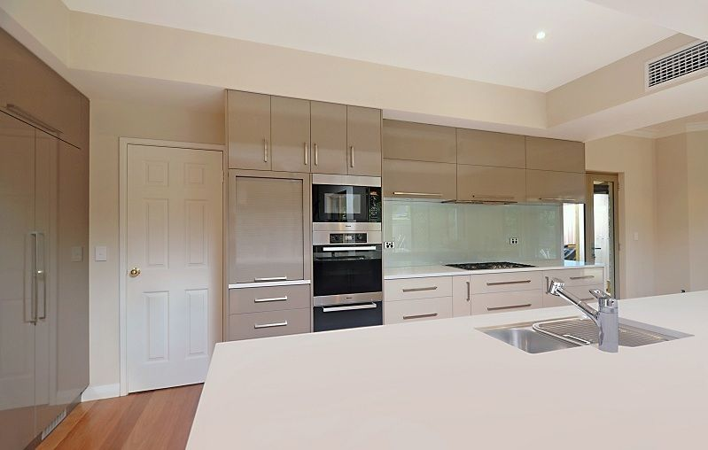 Carine kitchen Renovation. Custom Cabinet makers   Kitchen renovations   Wangara  Perth